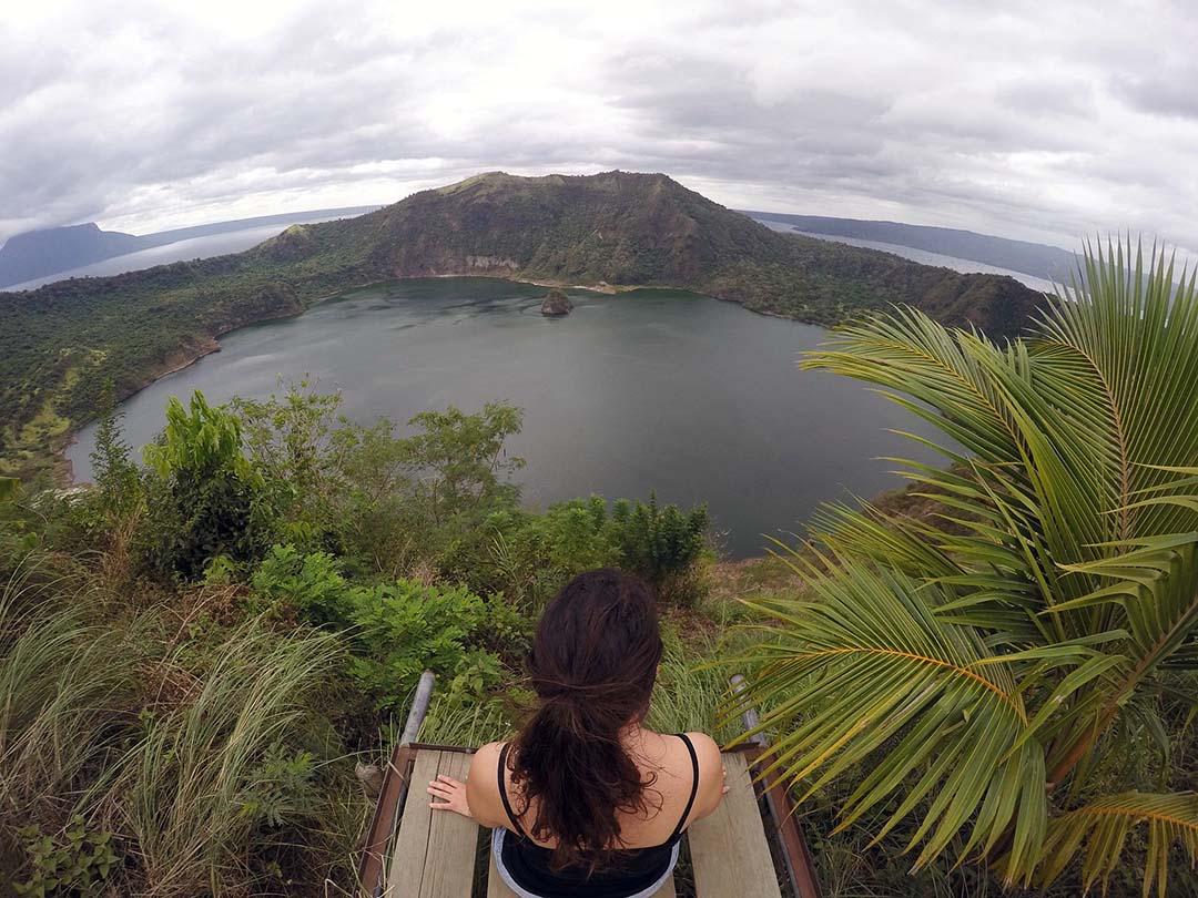 Point de vue du Taal Volcano aux Philippines